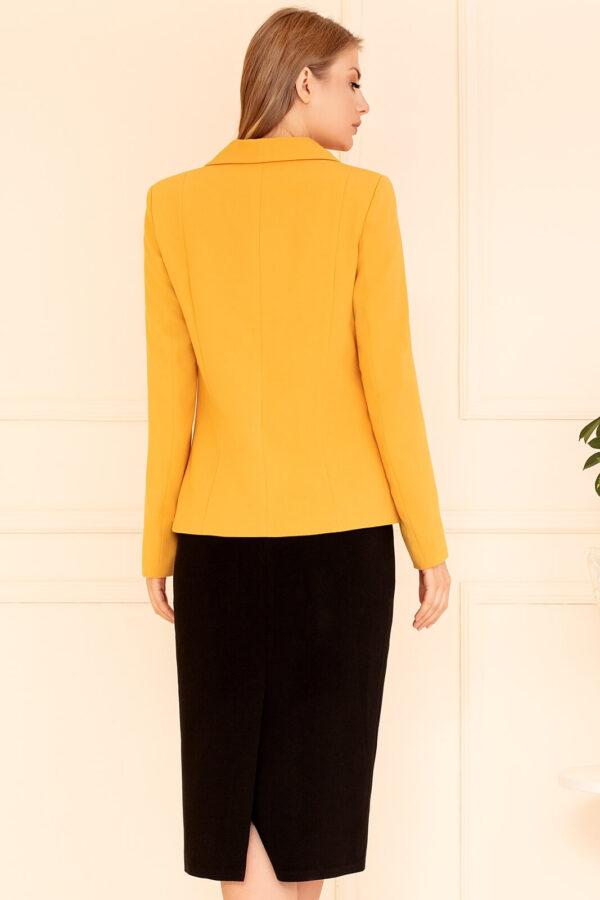 Garsonka miodowa z czarną spódnicą. Elegancki żółty żakiet damski