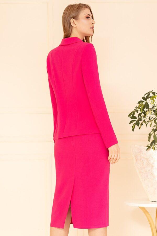 Wizytowa garsonka amarantowa ze spódnicą. Elegancki komplet damski dla kobiet w każdym wieku
