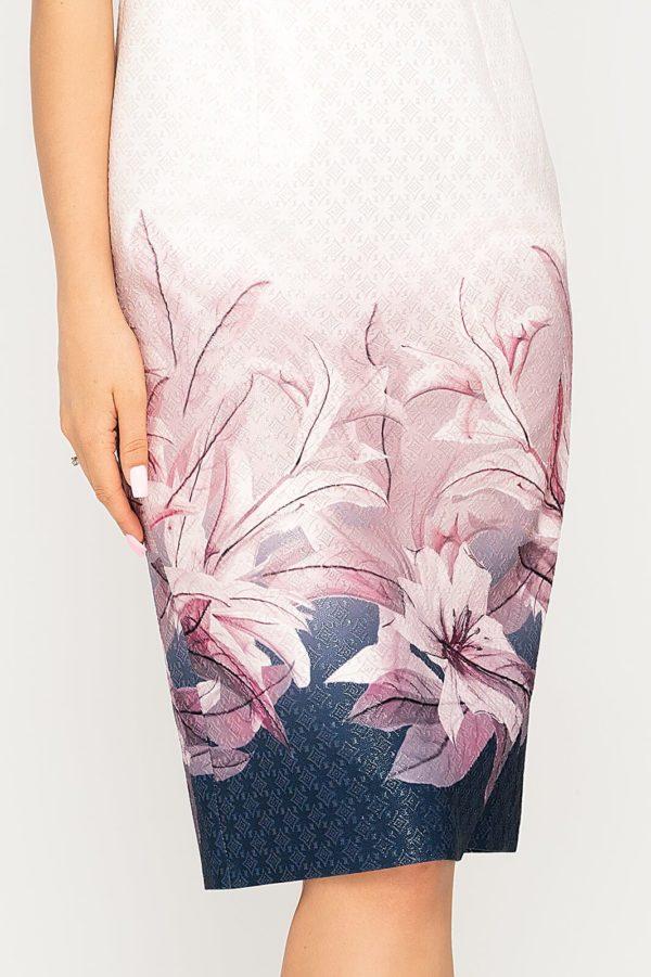 Sukienka Pola pudrowa w kwiaty detal