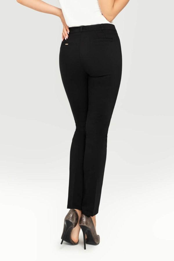 Spodnie czarne- tył