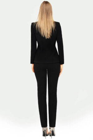 Kostium czarny ze spodniami. Wizytowa marynarka damska