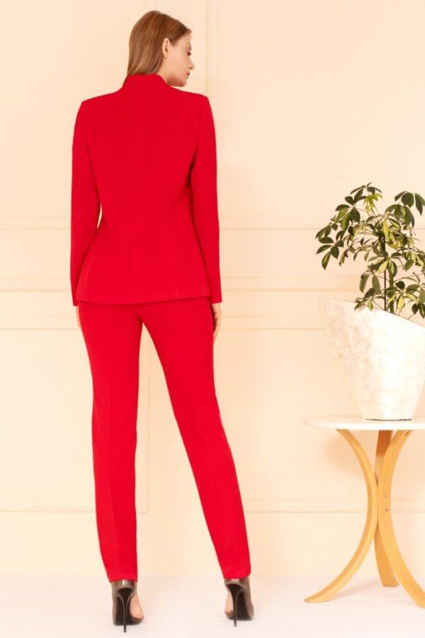 Kostium czerwony ze spodniami tył